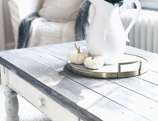 farmhouse coffee table makeover - rustic white and gray chalk paint table makeover from pinterestingplans