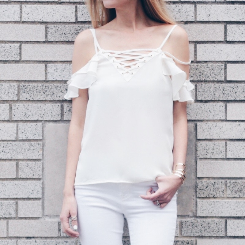 Connecticut life and style blogger, Pinteresting Plans shares Spring outfit ideas with fun statement sleeves. From bell sleeves to ruffled sleeves.