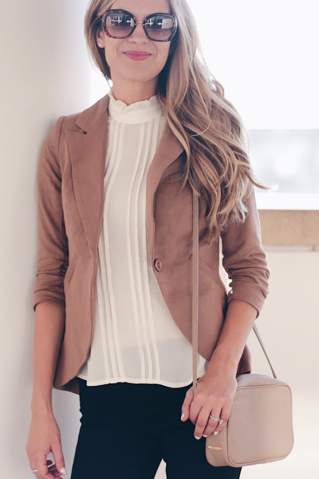PIN THIS! Cute business casual blazer Fall work outfit