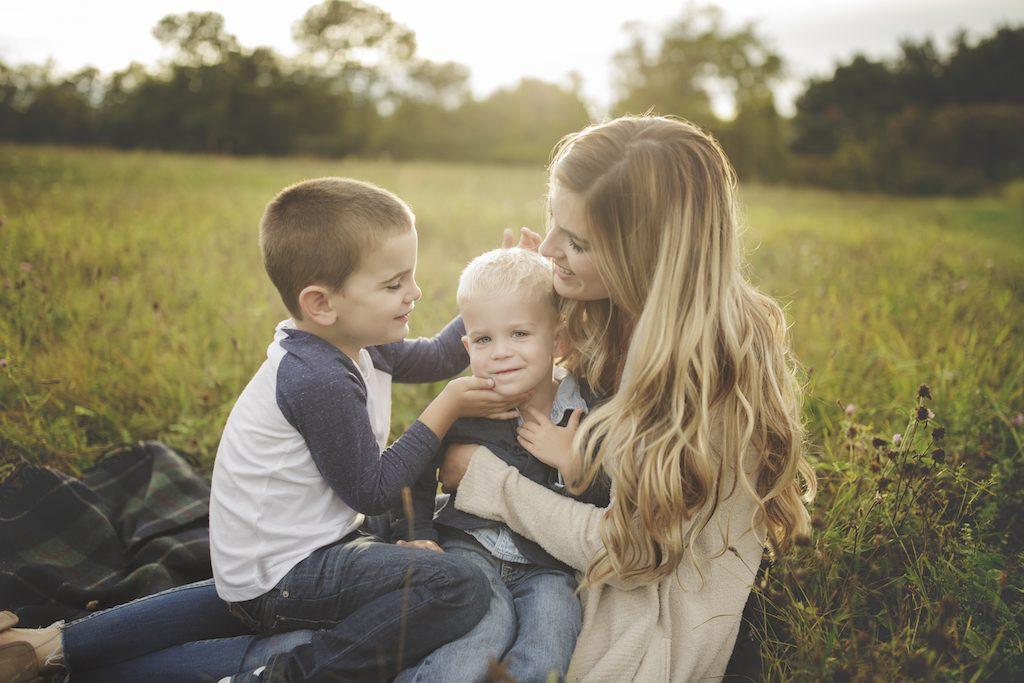 family photo shoot fashion ideas for mom and boys