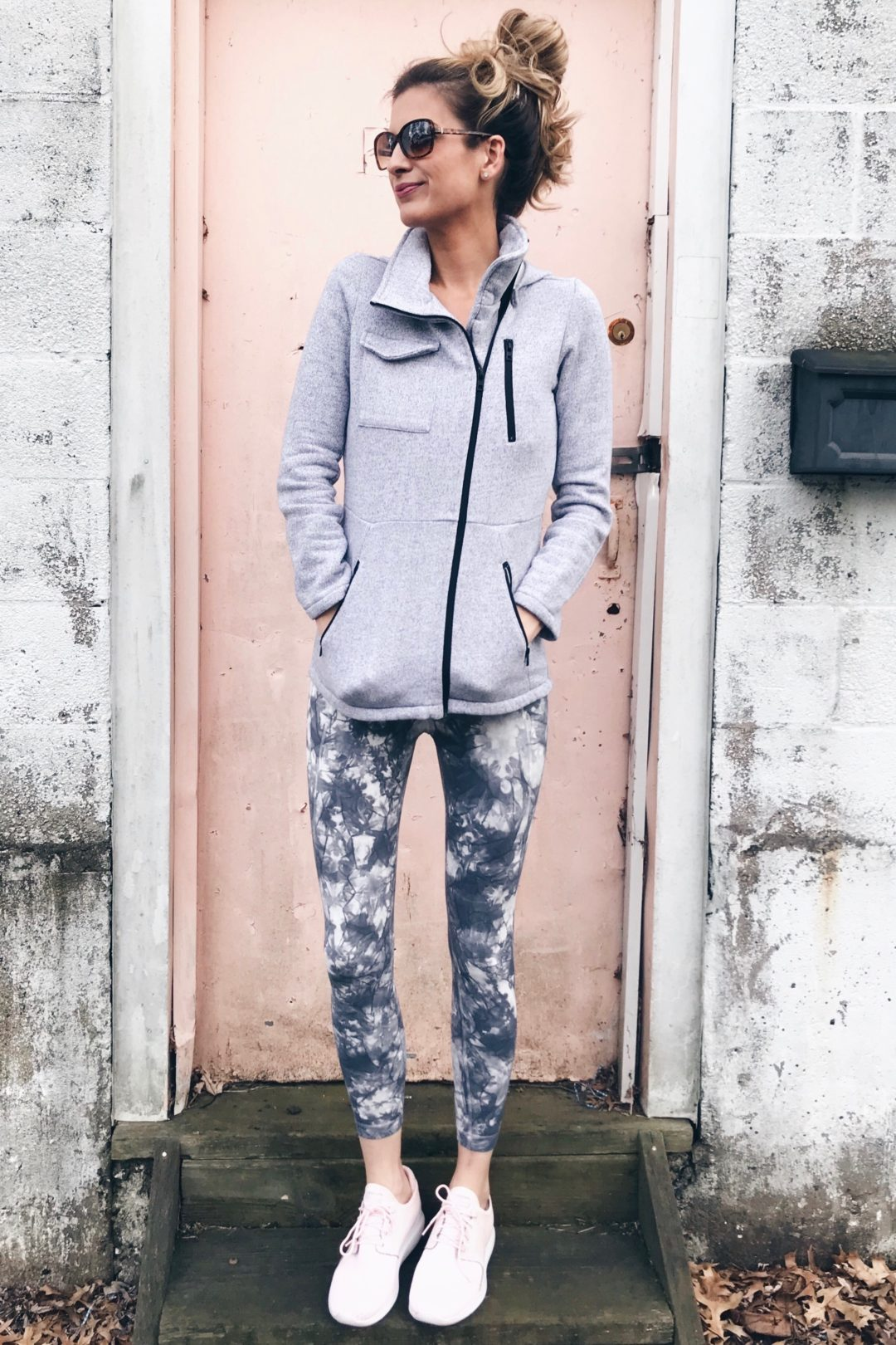 athleisure leggings - tie dye leggings and sweatshirt jacket on pinterestingplans connecticut lifestyle blogger
