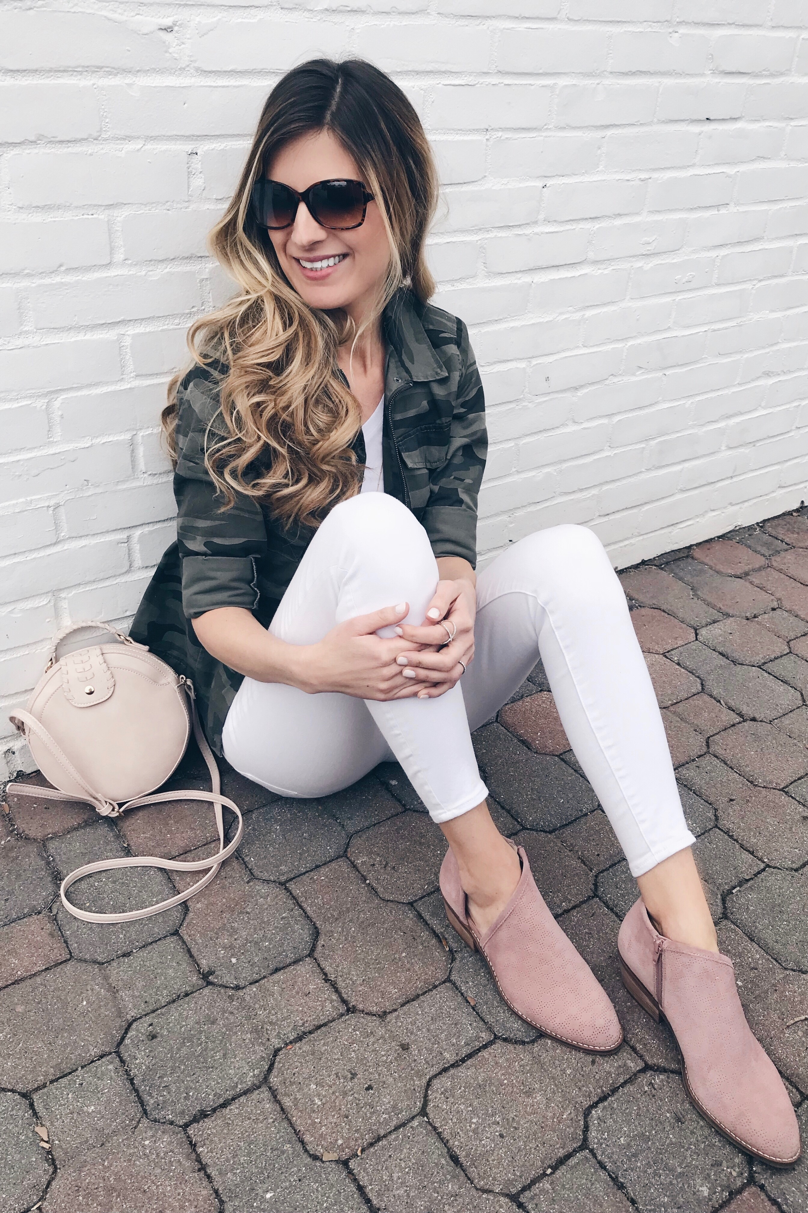 Weekly Wrap- Up - Camo Jacket/ White Jeans
