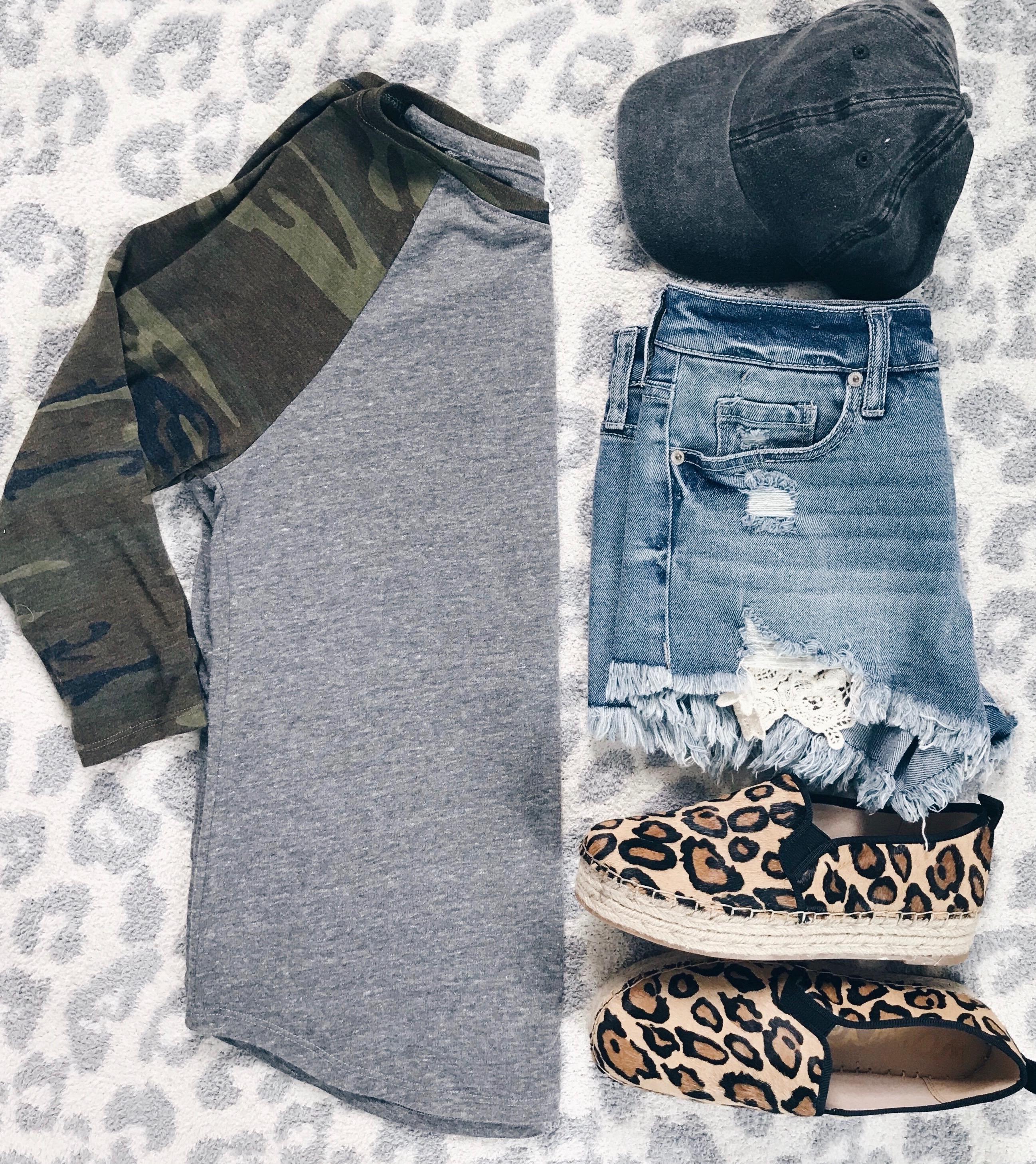 Weekly Wrap-Up Camo Tee/Shorts