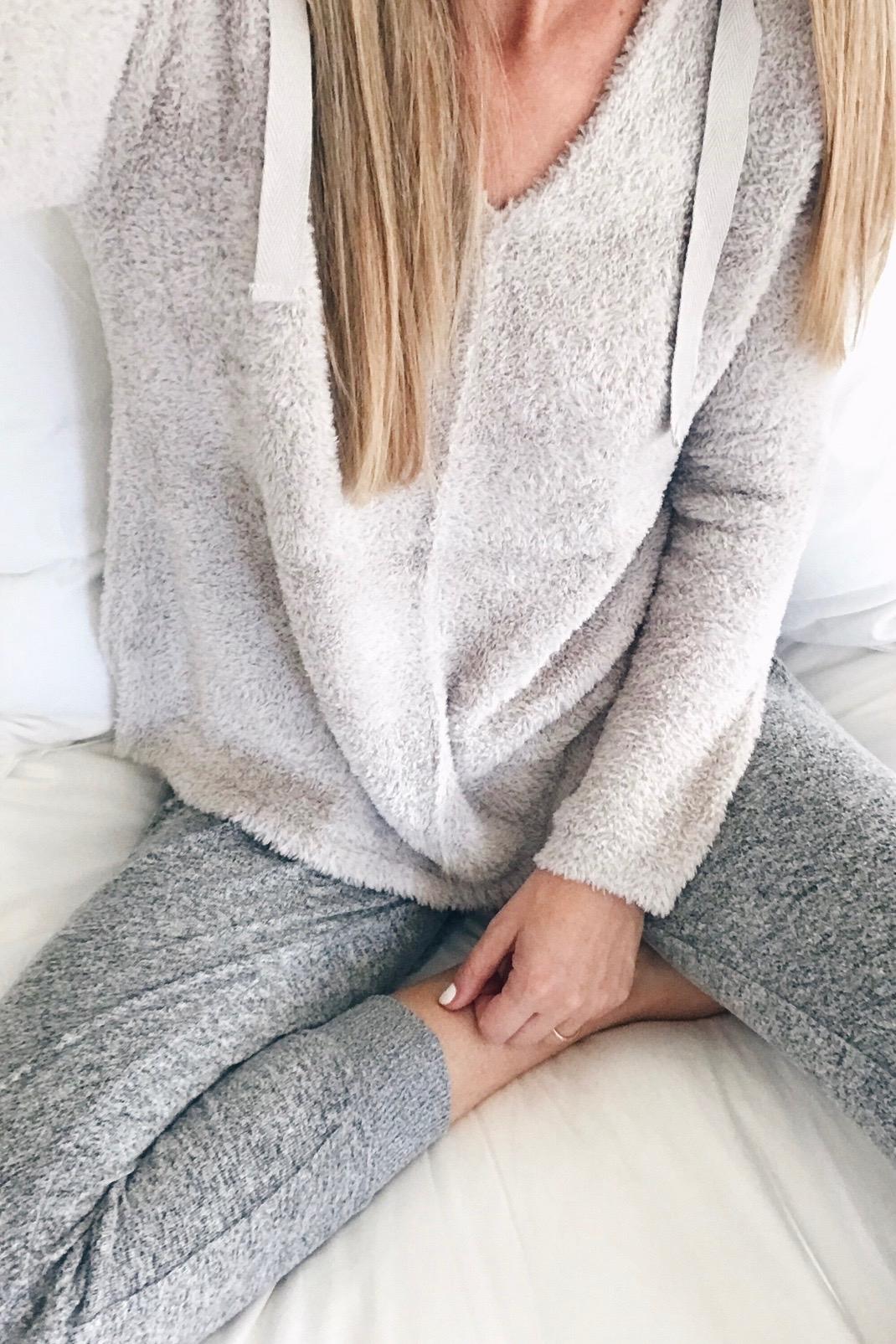 gibson fleece joggers on pinteresting plans fashion blog - women supporting women