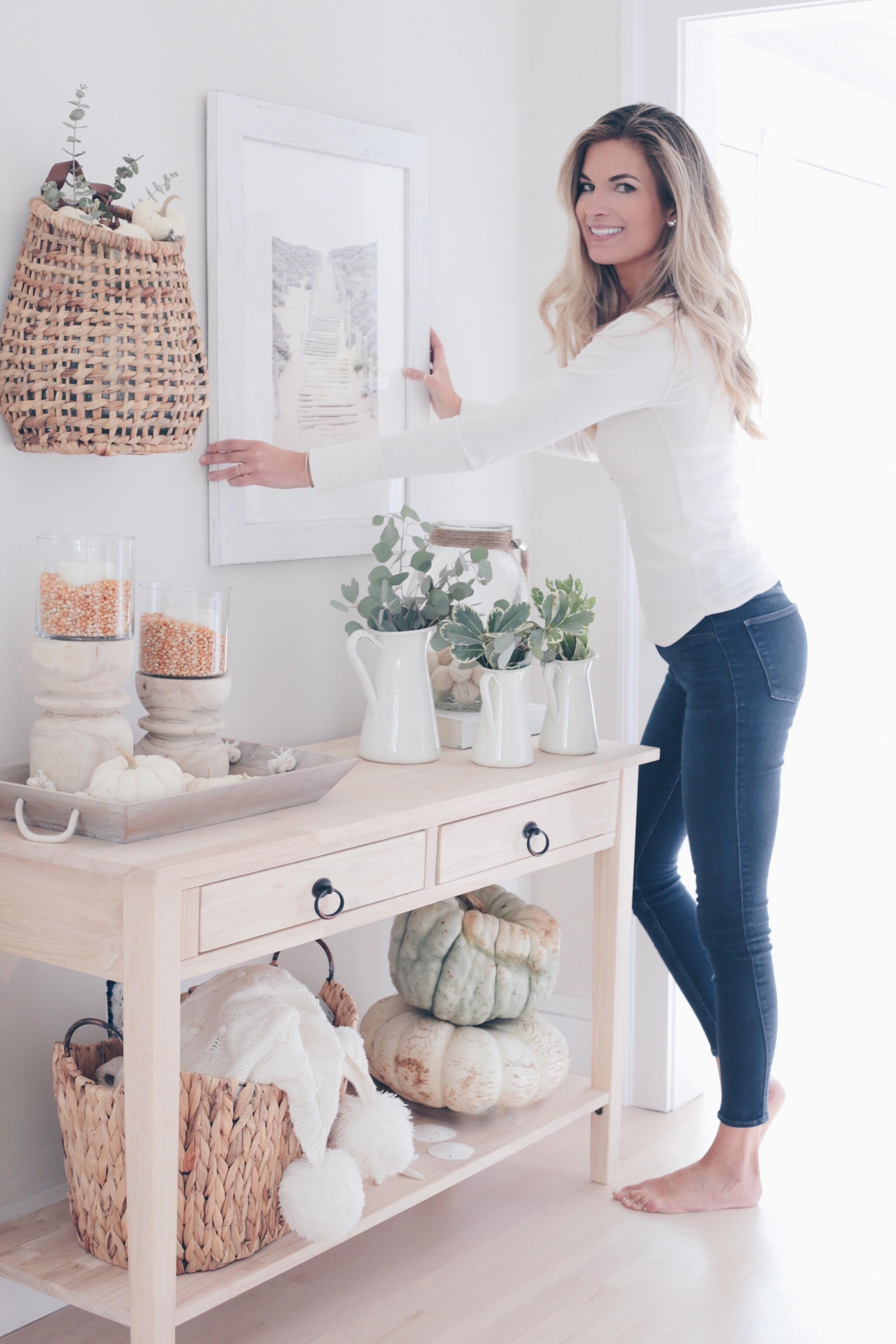 rachel moore of pinteresting plans lifestyle blog sharing favorite Fall home decor 2018