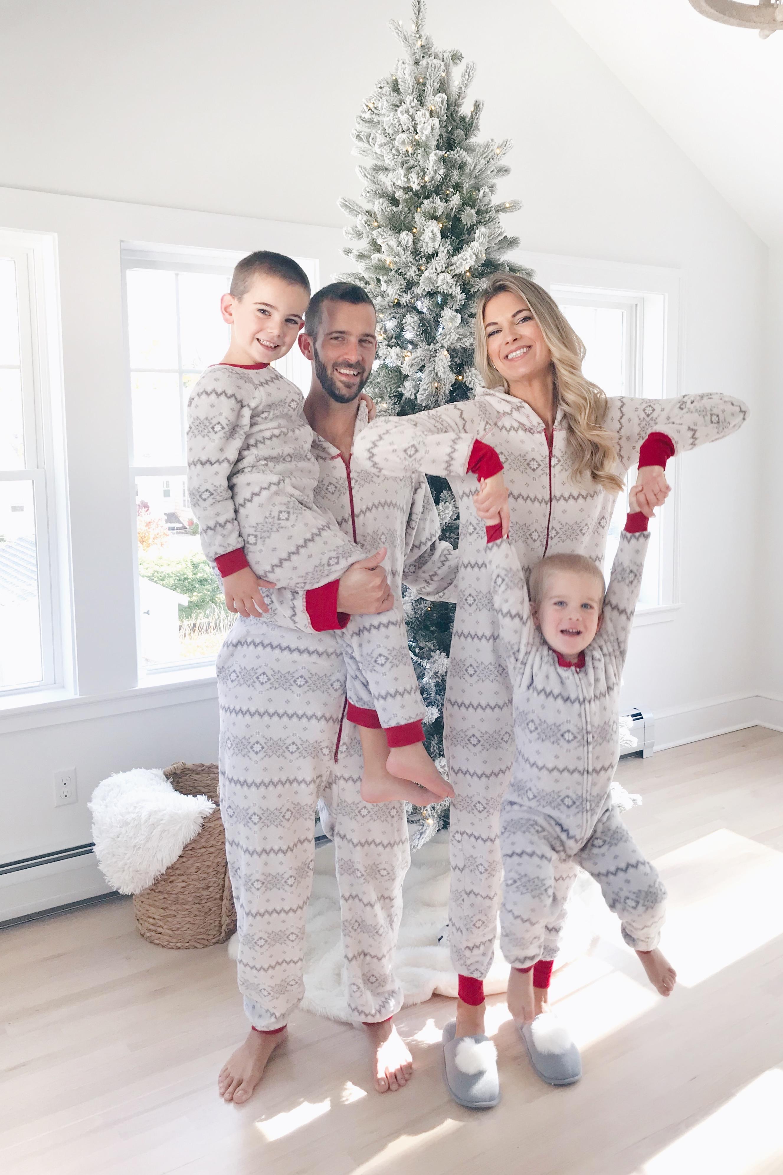 Family Christmas Pajamas.Family Holiday Pajamas 2018 Pinteresting Plans Lifestyle Blog