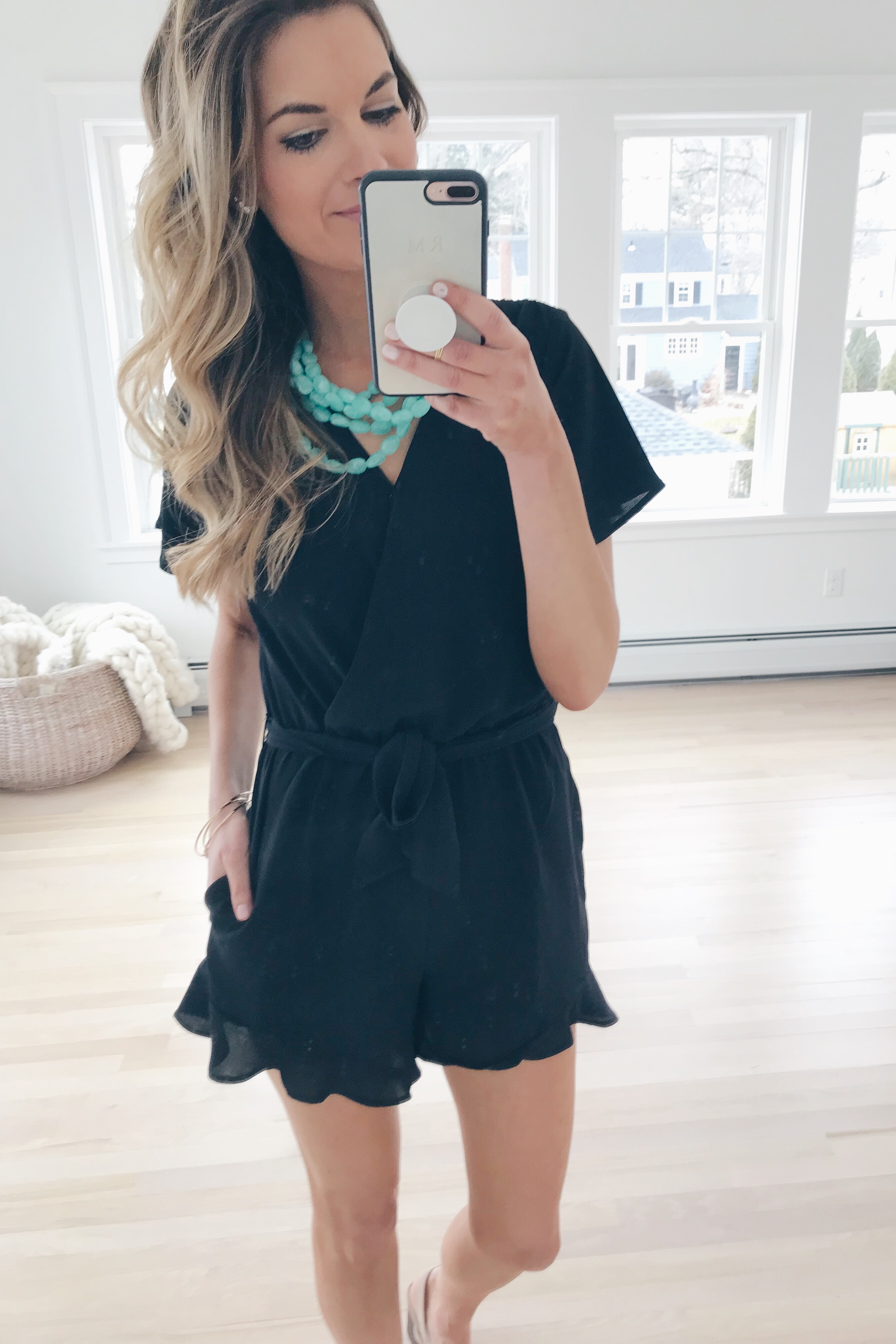 resort wear 2019 - gibson black ruffle hem romper on pinterestingplans blog
