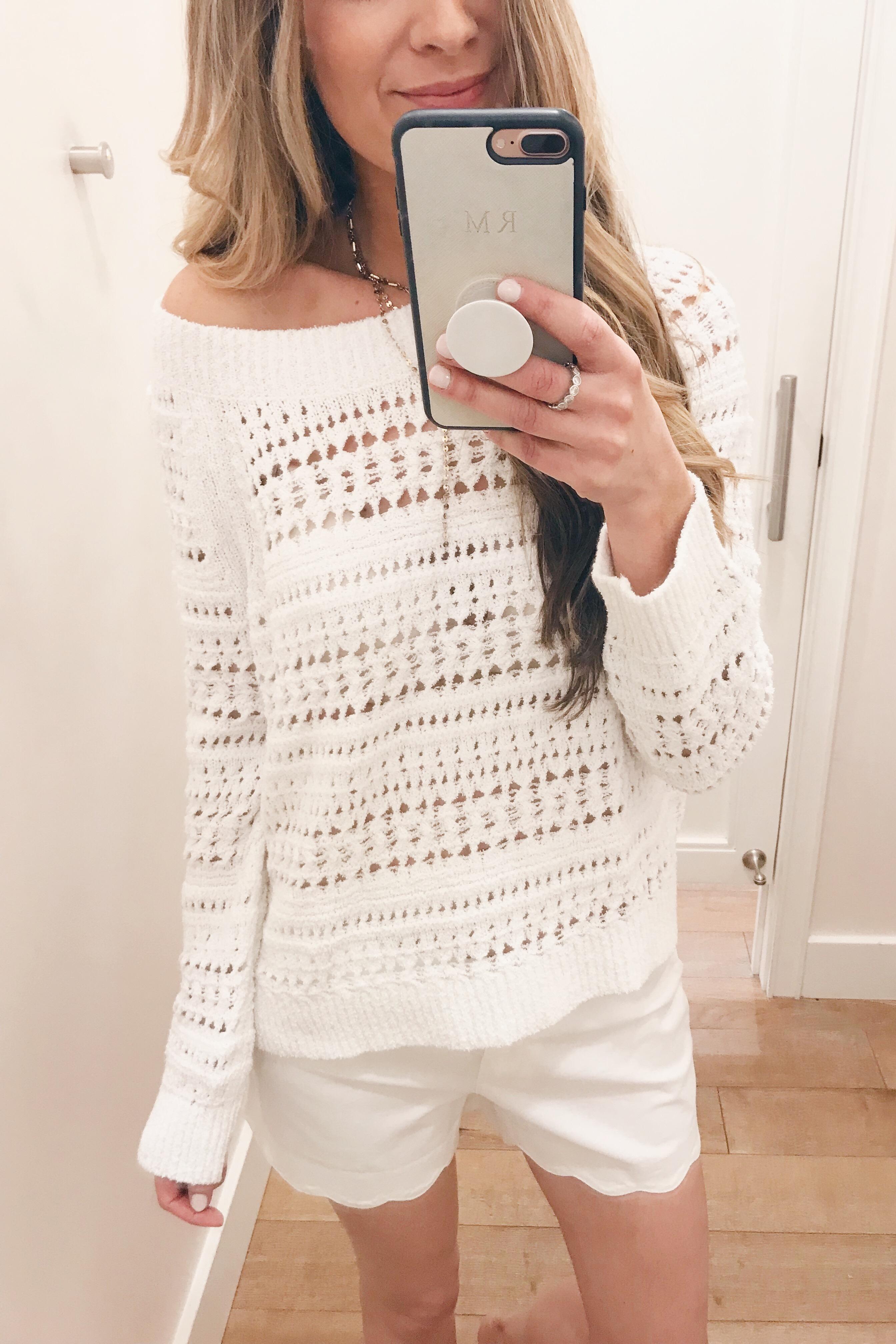"white scalloped hem 4"" inseam shorts on sale on Pinteresting Plans fashion blog"