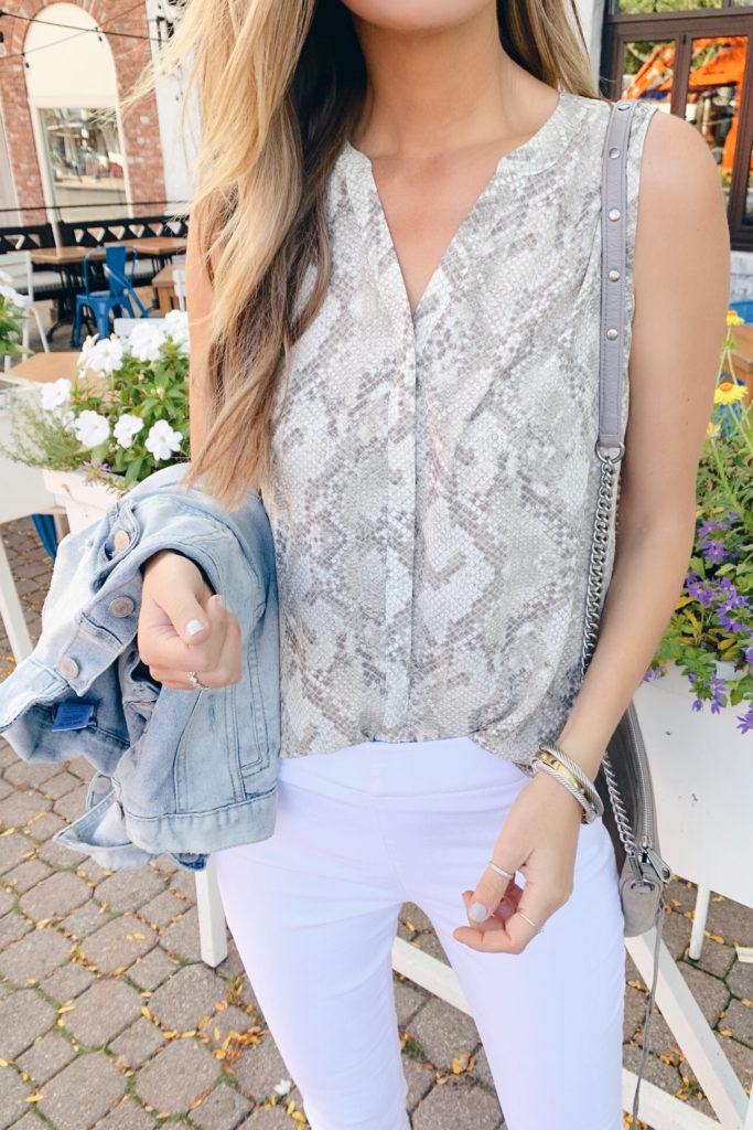 fashion blogger wearing nordstrom nydj snake print pleat back sleeveless blouse