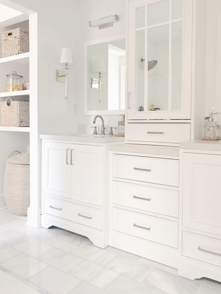 Benjamin Moore - decorator's white in master bathroom - light neutral paint colors 2019 - pinteresting plans blog