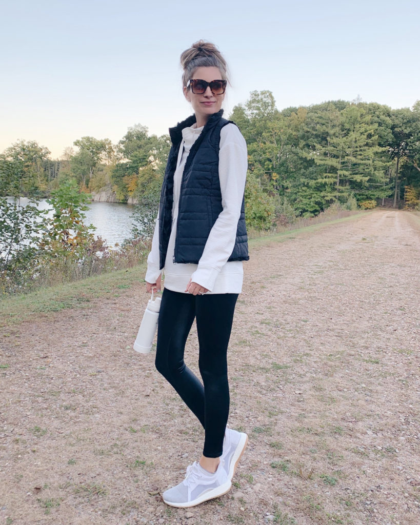 women's fall athleisure outfit - pinteresting plans fashion blog