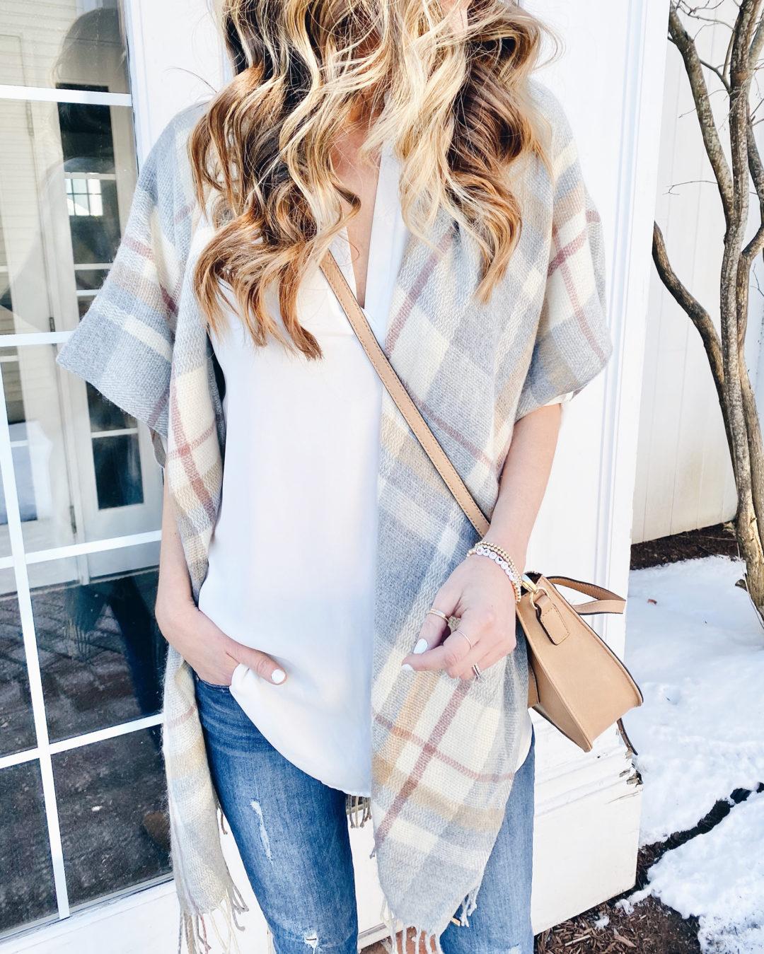 Lightweight spring plaid short sleeve kimono - casual spring outfit ideas on Pinteresting plans fashion blog