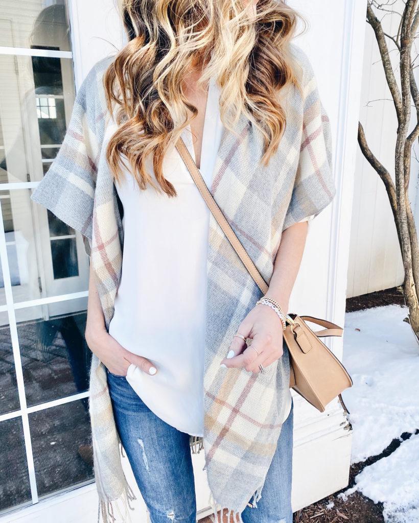 Lightweight spring plaid short sleeve fringe kimono - casual spring outfit ideas on Pinteresting plans fashion blog