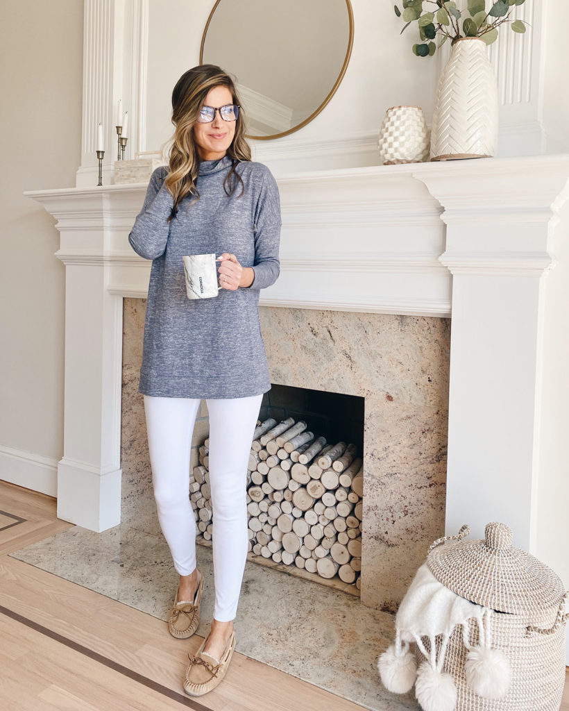 amazon cozy knit funnel neck blue heather tunic with spanx white jeanish leggings