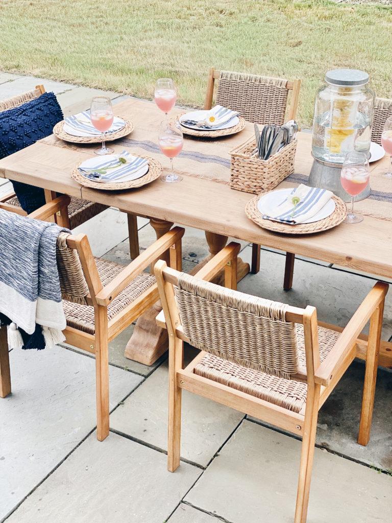 outdoor dining tablescape ideas for summer entertaining - pinteresting plans blog