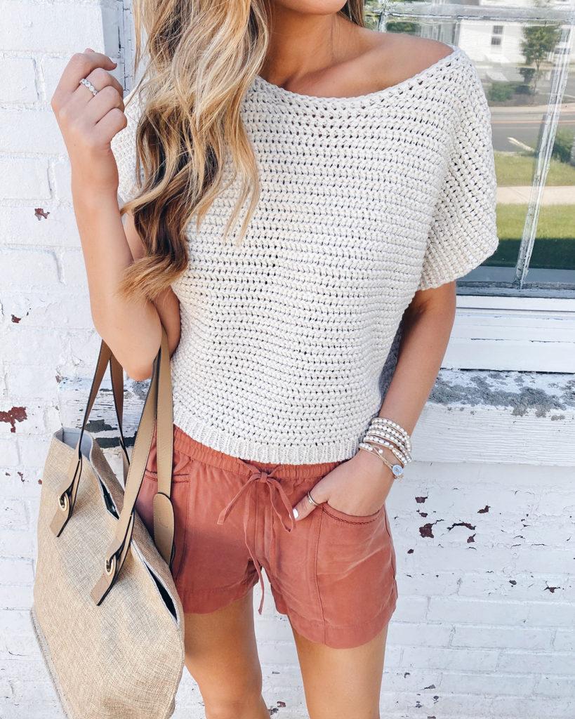 loft cream open stitch sweater tee and sienna pull on shorts