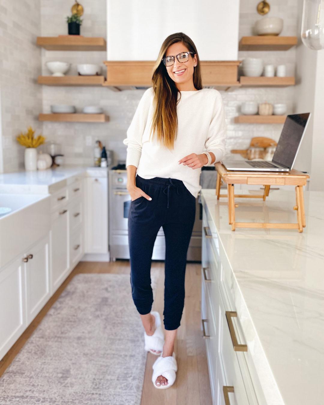 women's workwear hybrid joggers - pinteresting plans blog