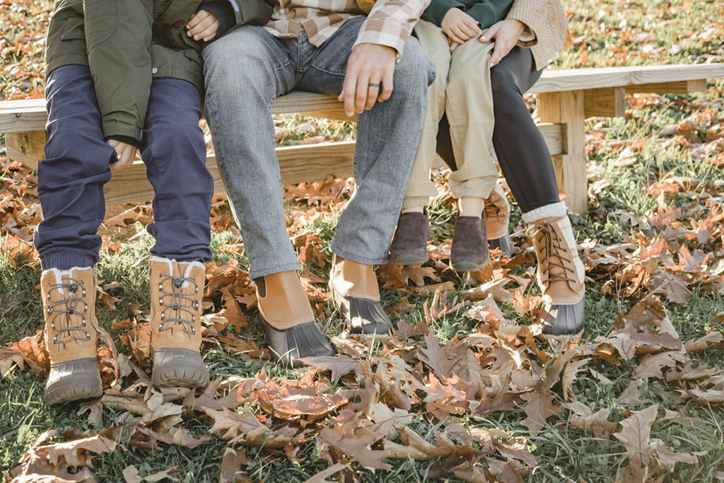 what shoes to wear for fall family photo outfits