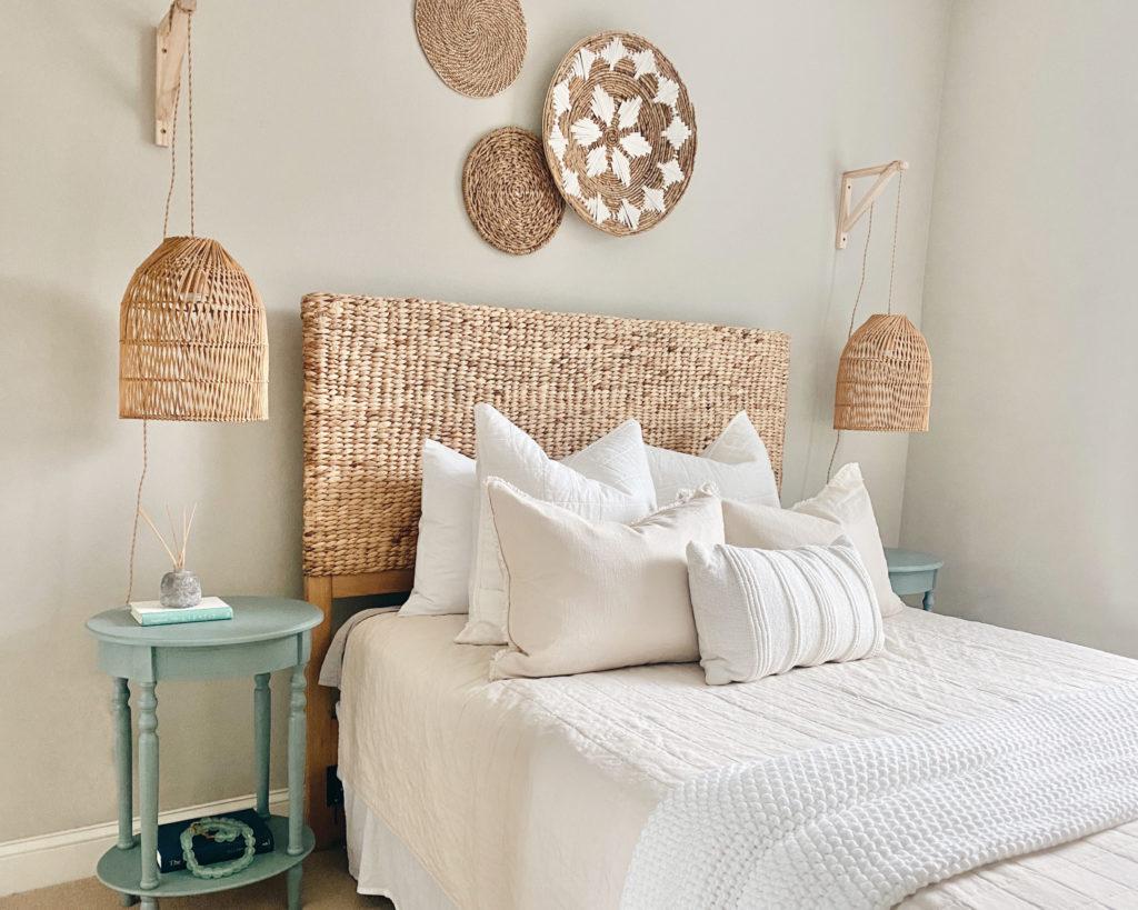 beach modern coastal bedroom idea 2021
