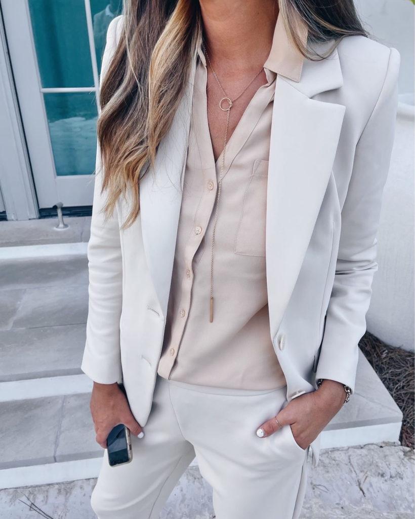 fashion blogger wearing express portofino workwear shirt