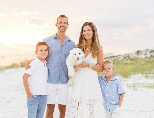 outfit ideas for summer family photos on beach